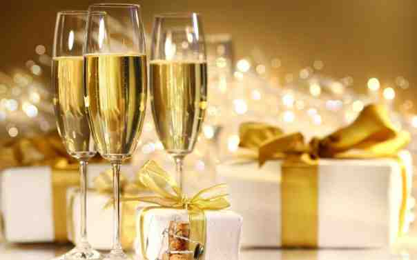 koktejli s shampanskim