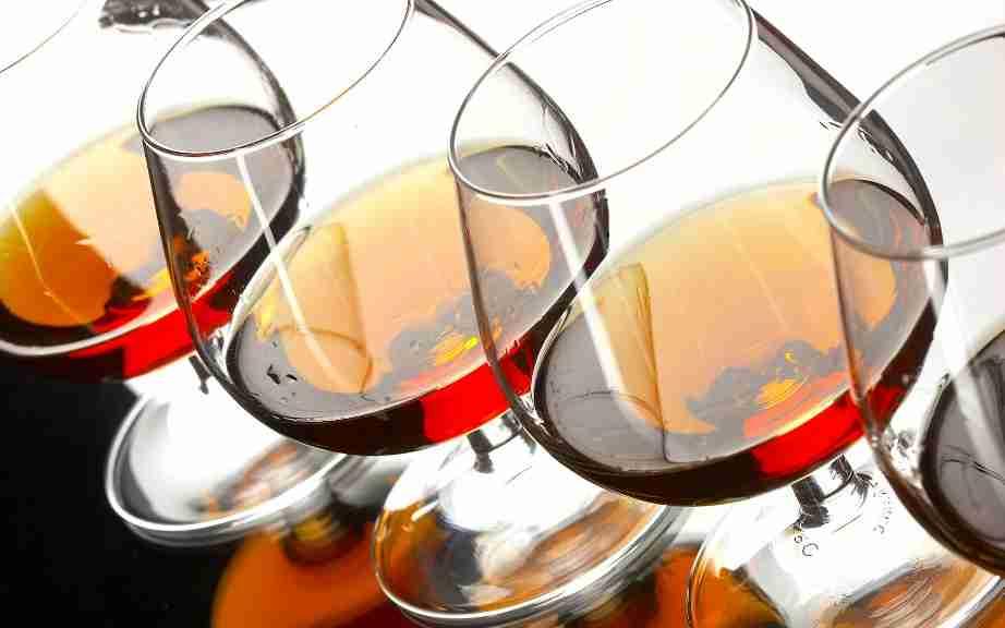 http://www.alcoholic.com.ua/wp-content/uploads/2011/11/cognac.jpg